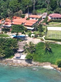 Lovely 10 Bedroom Villa with Oceanfront Pool & Jacuzzi in Cabrera