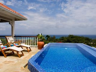 2 Bedroom Villa with Pool in Montego Bay