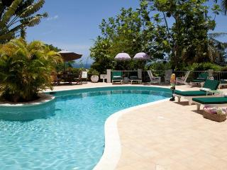 Pimento Hill - Ideal for Couples and Families, Beautiful Pool and Beach