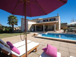 Nice finca with private pool and large garden, Inca