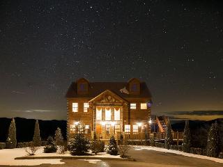 January from $199!! Lodge w/ 270-Degree Mountain Views. LOADED with Luxury., Sevierville