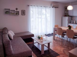 Apartment Marija in Srima, Vodice, Croatia