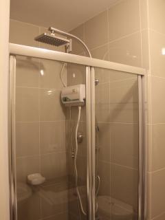 both bathrooms have  rainshowerheads