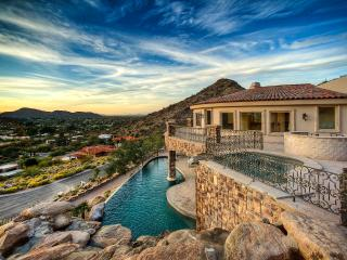 Spectacular Paradise Valley Private Getaway