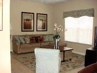 "Townhome 8972 ""on Coco Palm Rd"", Four Corners"
