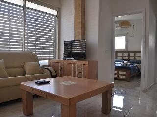 one bedroom apartment in great location in Bat Yam, Gedera