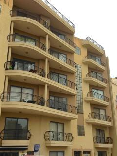 150mtrs from Seafront Qawra Apartment