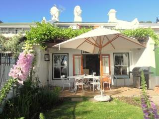 Cape Town City Cottage overlooking Cape Town Harbour  - Harbour View Suite