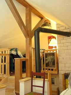 2.Loft with desk