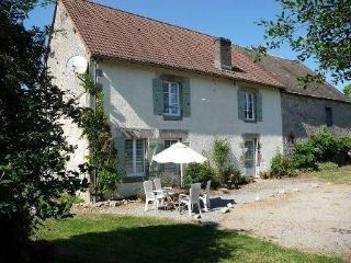 Charming French 18c Farmhouse B&B in the Limousin, La Souterraine