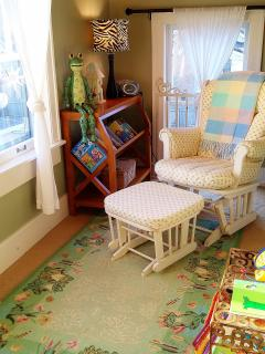 2nd flooor Reading nook off bedroom 1)