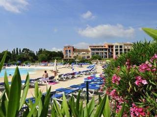 Appartement 2 chambres confortables avec piscine lagon, près de la mer, Gassin
