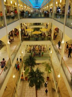 There are a lot of restaurants to choose from, from breakfast to dinner, to night outs at the mall.