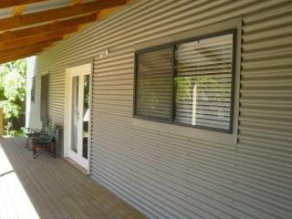 Adelaide, gorgeous beach cottage at Semaphore