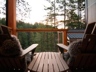 The Suites at Secret Cove Treehouse