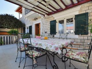 Villa Camellia****  apartment / adults only, Supetar