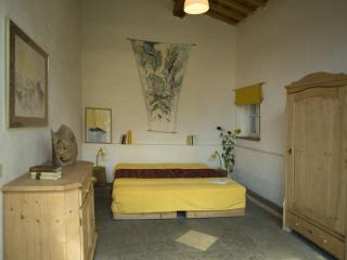 Apartment La Grapo at Countryhouse Villa La Rogaia: bedroom