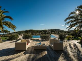 Majestic St Tropez 6 Bedroom Villa with Tennis Court and Pool, Saint-Tropez