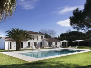 Modern Villa Saint-Tropez, 6 bedrooms, 12 people, St-Tropez