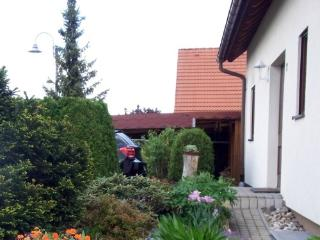 Vacation Apartment in Kreischa - 441 sqft, quiet, bright, comfortable (# 4988)