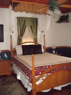 Bears Den with Queen bed