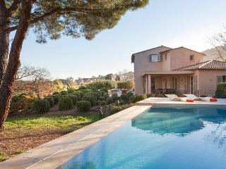 Superb Villa with a Pool and Balcony, in Downtown Saint Tropez, St-Tropez
