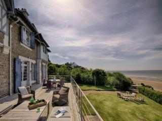 Spectacular villa with beach frontage in Deauville, Benerville-sur-Mer