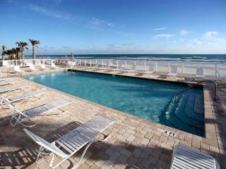JUNE/JULY $PECIALS - OCEANFRONT - OPUS CONDOMINIUM  3BR/2BA - #601, Daytona Beach Shores
