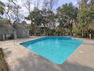 Beautiful Spotless 148 Windward Villa, Golf Views, Free Bikes, Pool, Hot Tub, Hilton Head