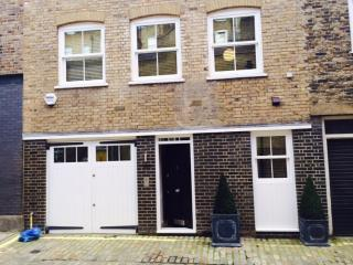 Marylebone Luxury 3 Bedroom 2 Bathroom Modern  Mews House (4533)