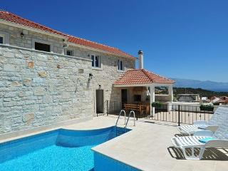 Holiday home Marivilla with pool for 8 in Selca, Brač