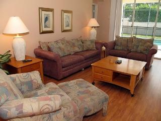 4 Bedroom 3 Bath Villa in Windor Palms Gated Resort . 8208FPW, Orlando
