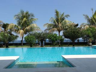 North Bali beachfront villa with guesthouse and private pools, Seririt