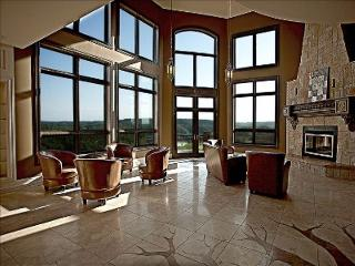 Great room that overlooks the lake and golf course