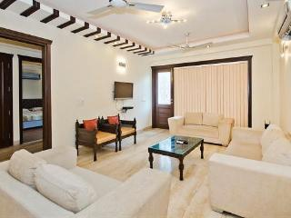 Luxury 3 Bedrooms Serviced Apartment South Delhi
