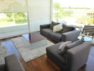 Luxury Waterfront Furnished 3BDR Apartment Lido101, Montevideo