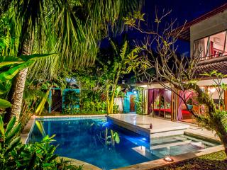 3BR villa in Oberoi, Close to Restaurant, Shop, Bar and Beach, Seminyak