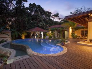 Rancho Cielo. Green Eco-Luxury Estate, Mal Pais