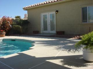 IMMACULATE RETREAT AWAY FROM HOME  .  VERY QUIET NEIGHBERHOOD, Las Vegas