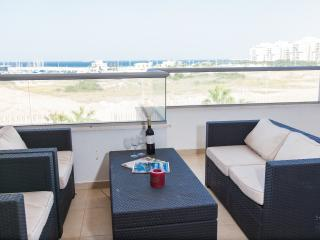 Beautiful Israeli Beachfront Apartment 4 Bedrooms, Asdod
