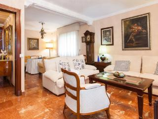 [646] Huge apartment by Plaza de España, Sevilla
