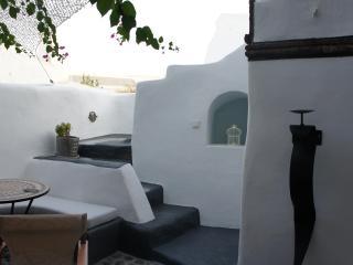Romantic Villa Artemis (jacuzzi&private courtyard), Santorin