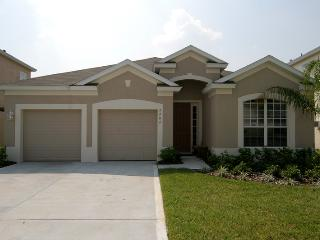 4  bed/bath, private South Facing Pool/SPA, Kissimmee