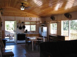Semi-Outpost Cabin Rentals on Lake Of The Wood's, Nestor Falls