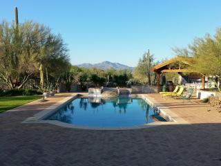 DESERT GUESTHOUSE -  private 10 Acre Property