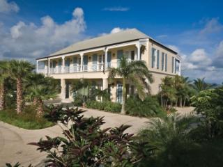 Lovely 4 Bedroom Villa with pool in Estate Shoys, St. Croix