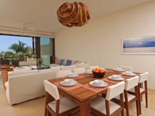 Wonderous 3 Bedroom Apartment with Pool in Punta Mita, Punta de Mita