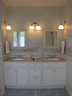 Master Bath Featuring Mural By Local Artist Judy Dibble