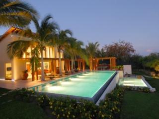 Extensive 7 Bedroom Beachfront Villa in Punta Mita, Punta de Mita