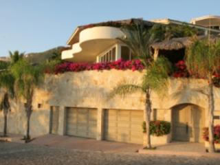 Beautiful 4 Bedroom with Private Pool in Cabo San Lucas